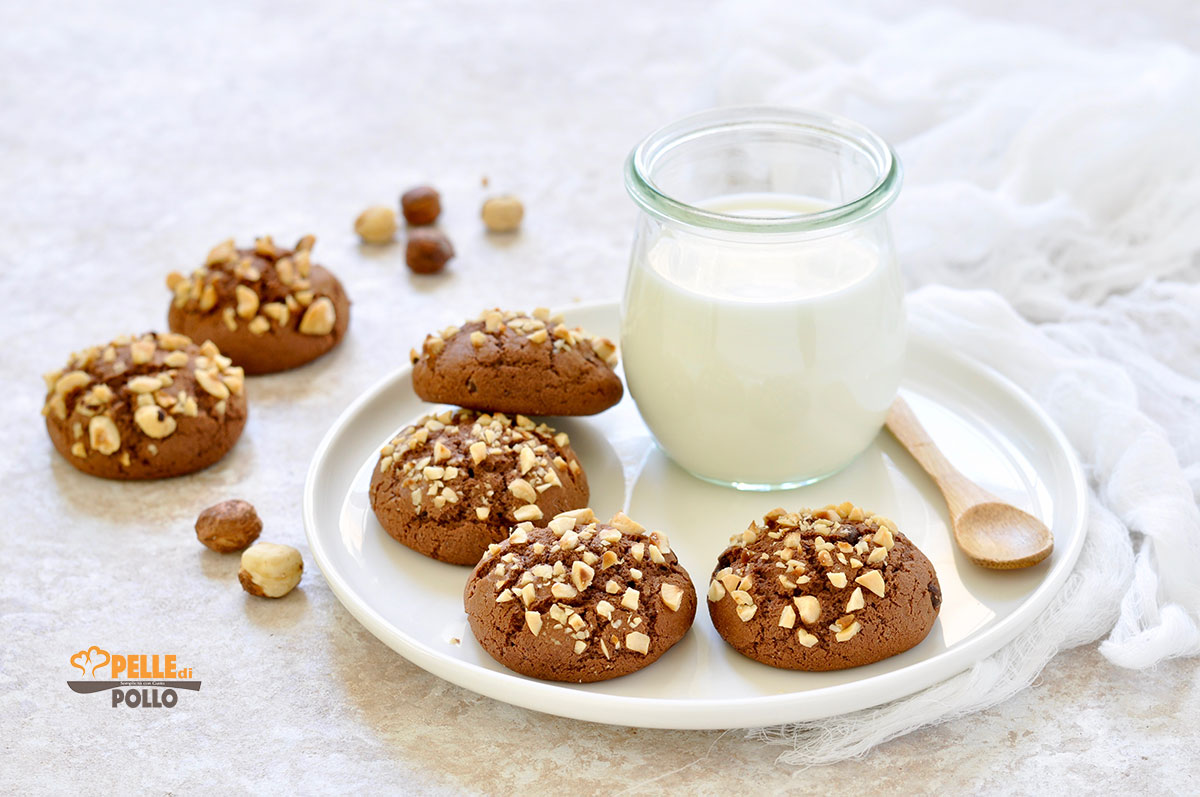 biscotti al cacao e nocciole da colazione