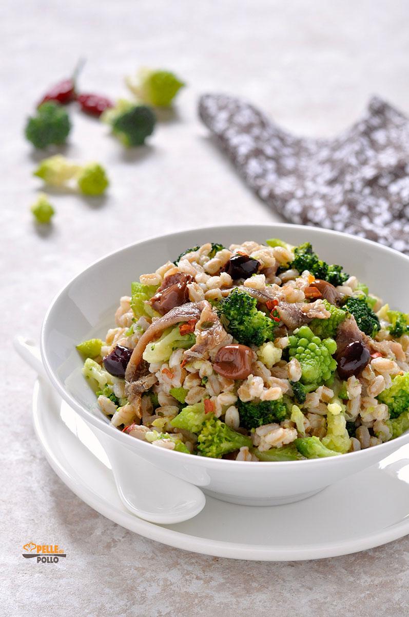insalata di farro con broccoli e alici