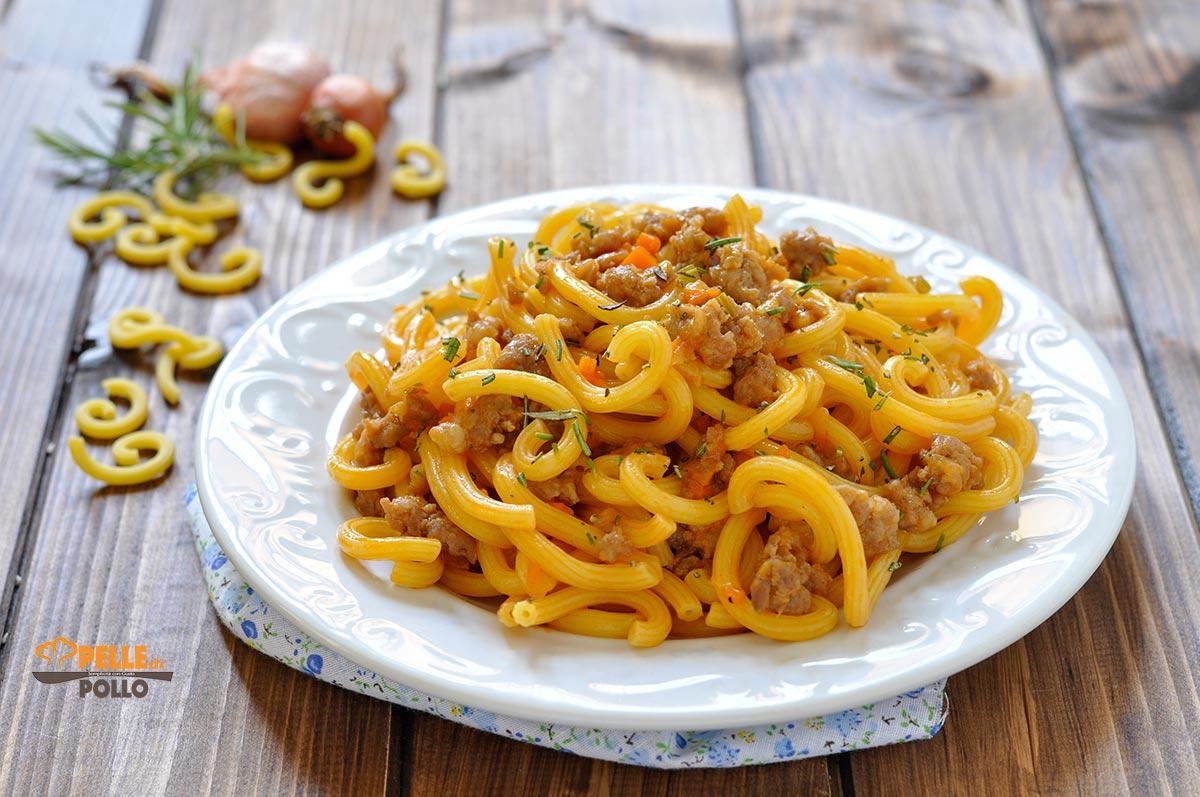 Ricetta Ragu Di Salsiccia.Gramigna Con Ragu Di Salsiccia Pelle Di Pollo Blog