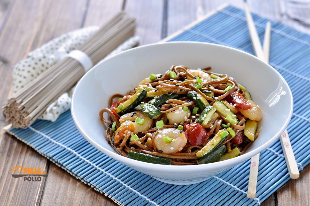 soba noodles con gamberetti e verdure