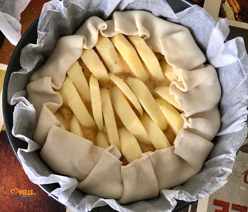 torta di mele in guscio di sfoglia