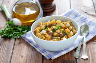 pasta fredda con feta paprika erbe