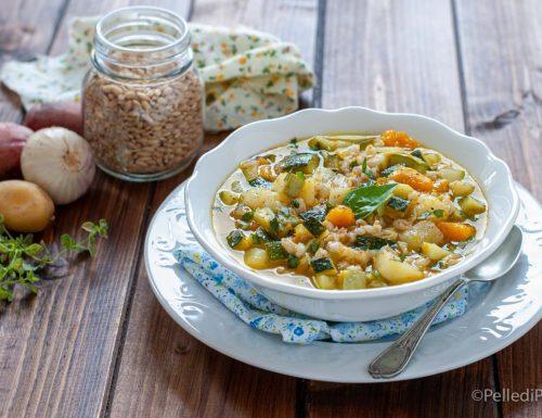 Zuppa con farro e verdure