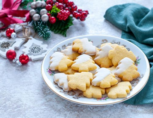Alberelli alle nocciole – Biscotti di Natale semplici e golosi