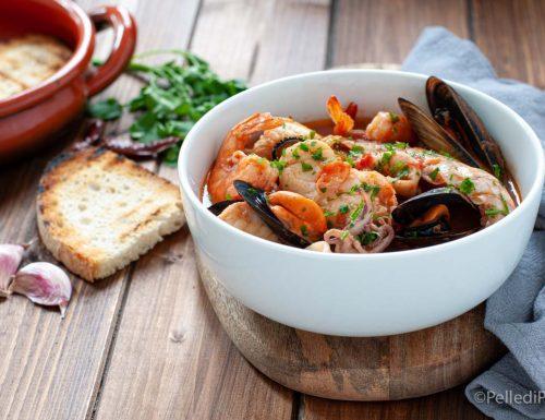 Zuppa di pesce semplice senza spine