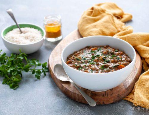 Curry di lenticchie con latte di cocco