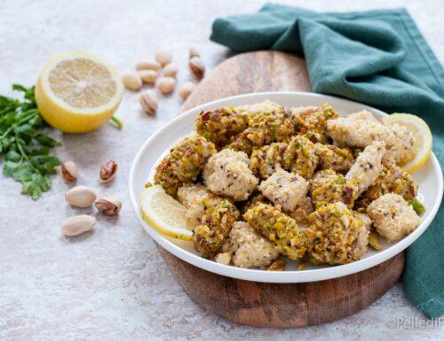 Bocconcini di pollo con pistacchi e mandorle