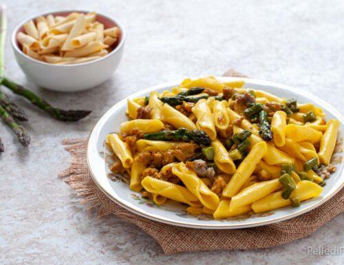 Garganelli con asparagi, salsiccia e zafferano
