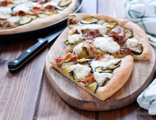 Pizza con zucchine e burrata