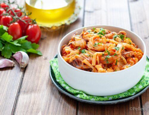 Spaghetti al sugo di gamberi e calamari