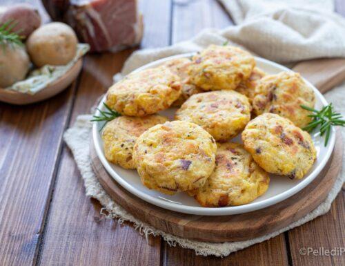 Frittatine di patate e speck