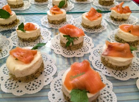 Mini Cheesecake salate al salmone