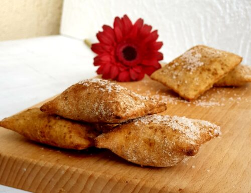 Ravioli fritti di ricotta e cannella con farina integrale senza glutine