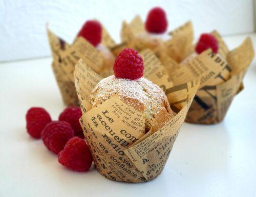 Muffin panna e frutti di bosco senza glutine