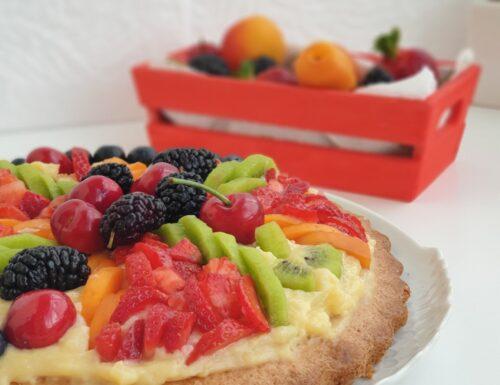 Crostata morbida con crema e frutta senza burro senza glutine