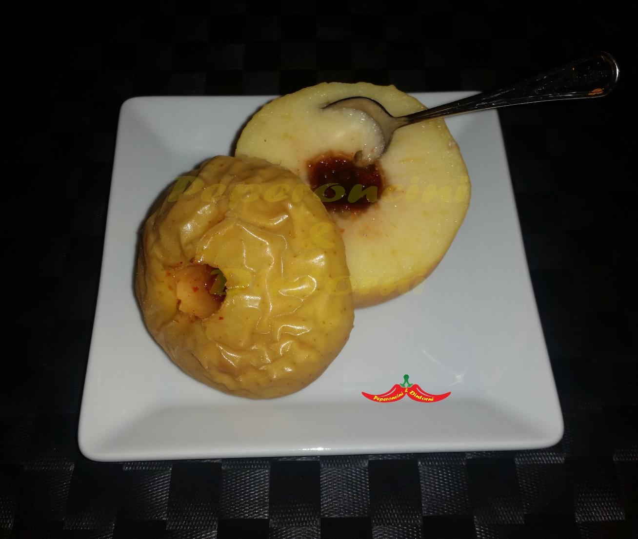 Mela Golden al forno ripiene di confettura di Peperoncino