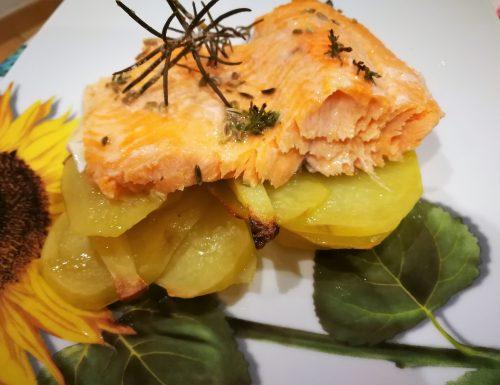 Trota salmonata ai semi di finocchio e limone