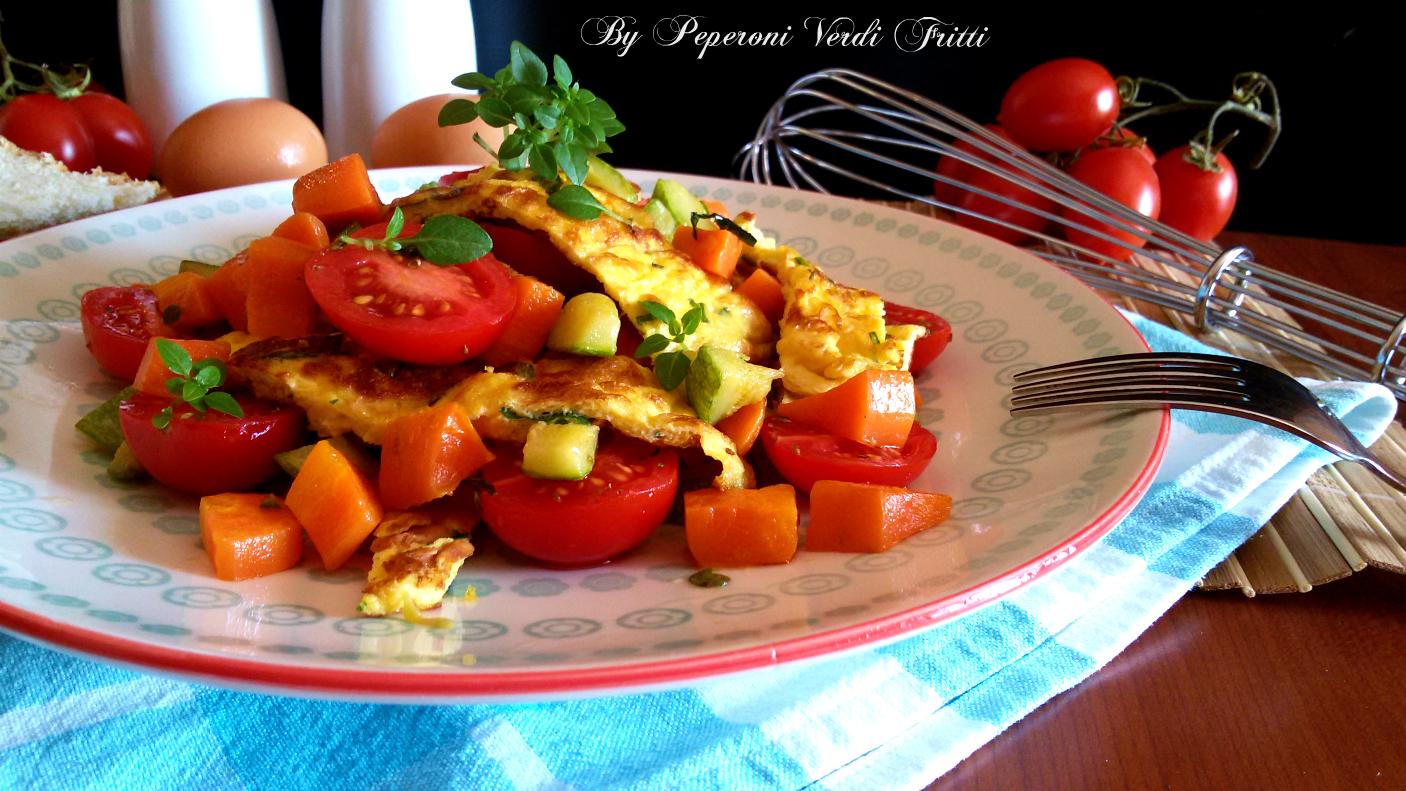 Straccetti di uova con zucchine e pomodorini