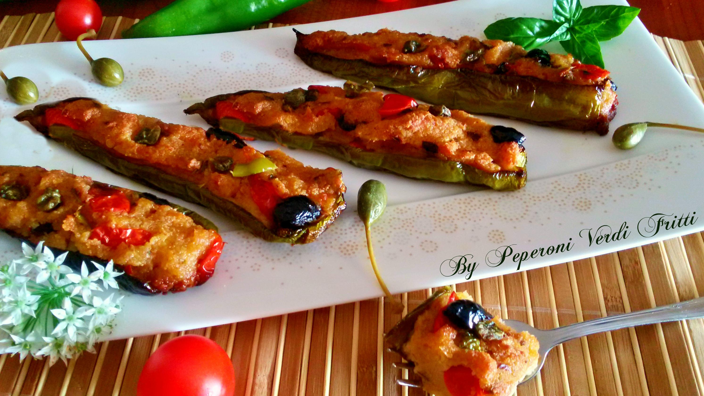 Barchette di peperoni verdi ripieni al forno