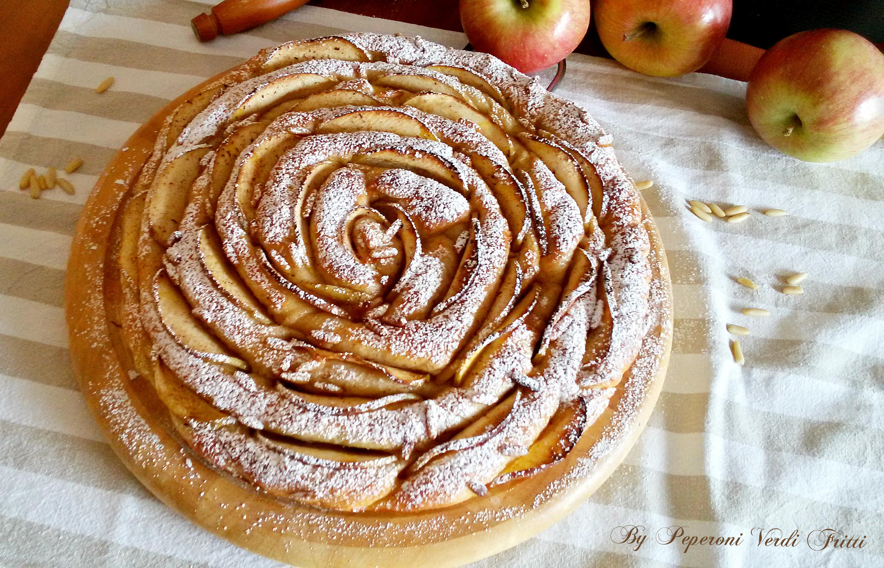 Focaccia contorta con lievito madre mele e pinoli