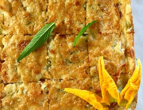Torta salata di patate, fiori di zucchine e menta