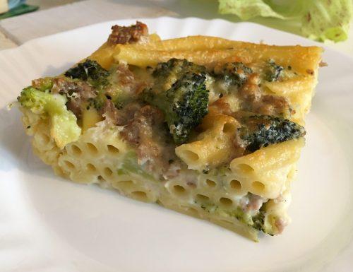 Pasta al forno con salsiccia e broccoli