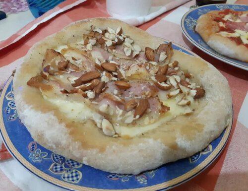 Pizza napoletana a lentissima lievitazione, con soli 2g di lievito!