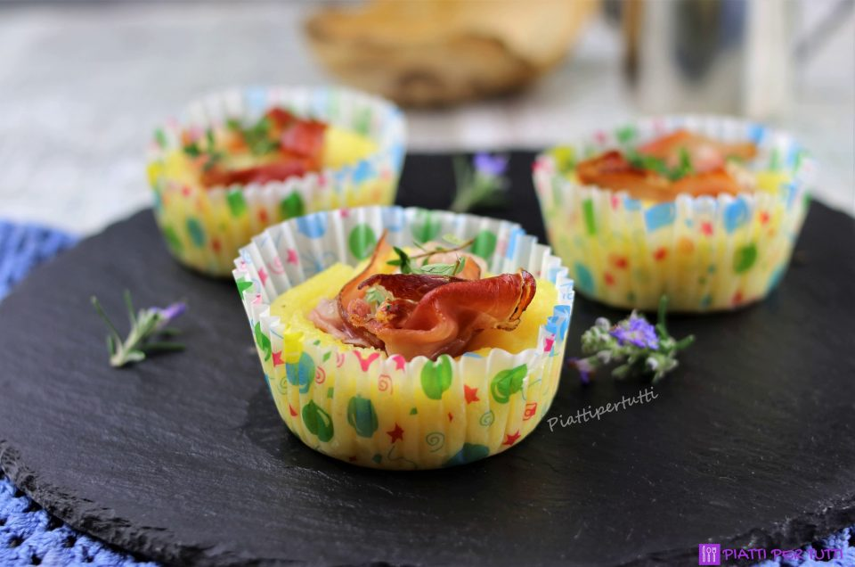 Cestini di polenta con speck