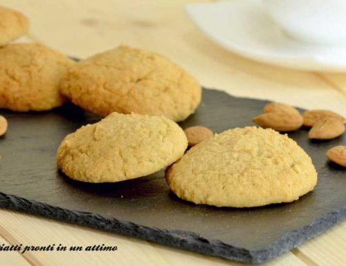 Biscotti vegan alle mandorle