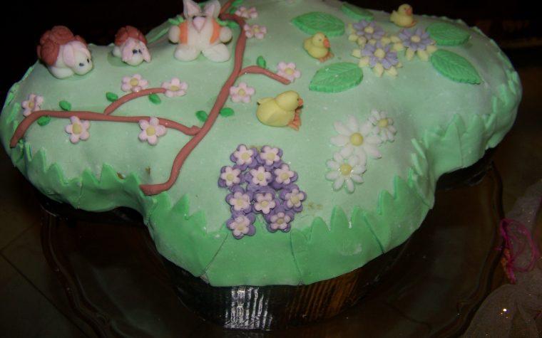 Colomba decorata con pasta di zucchero, ricetta cake design