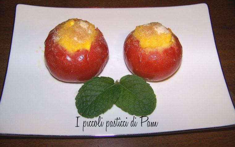 Pomodori al forno con salsa di ricotta e peperoni, ricetta salata