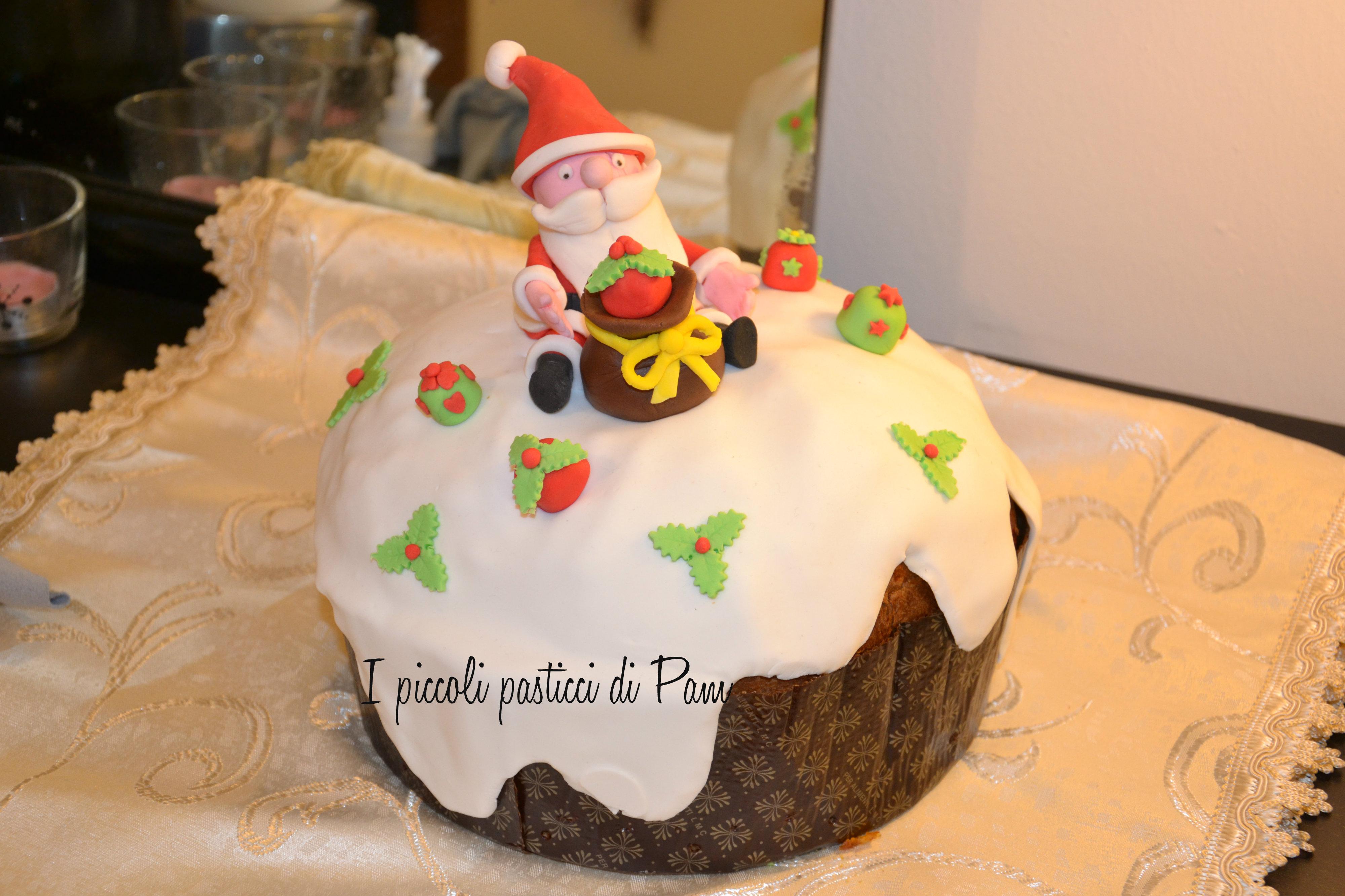 Panettone decorato in pasta di zucchero cake design I piccoli pasticci di Pam