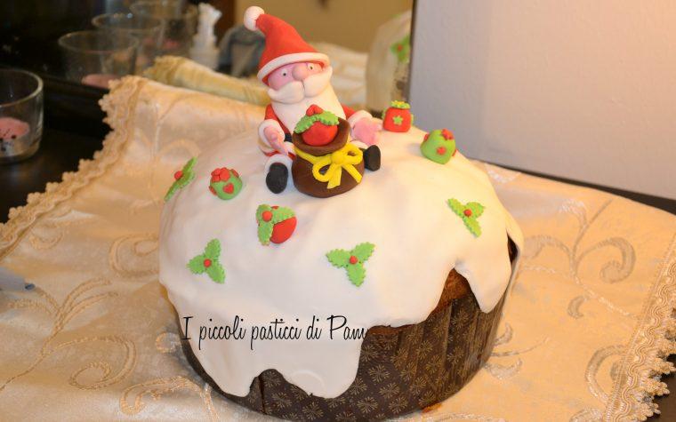 Panettone decorato in pasta di zucchero, cake design