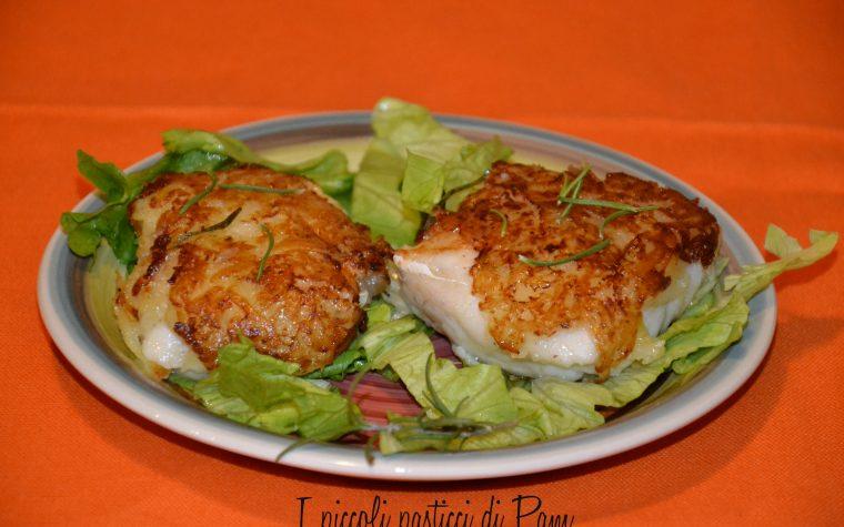 Cuori di nasello in crosta di patate, ricetta salata