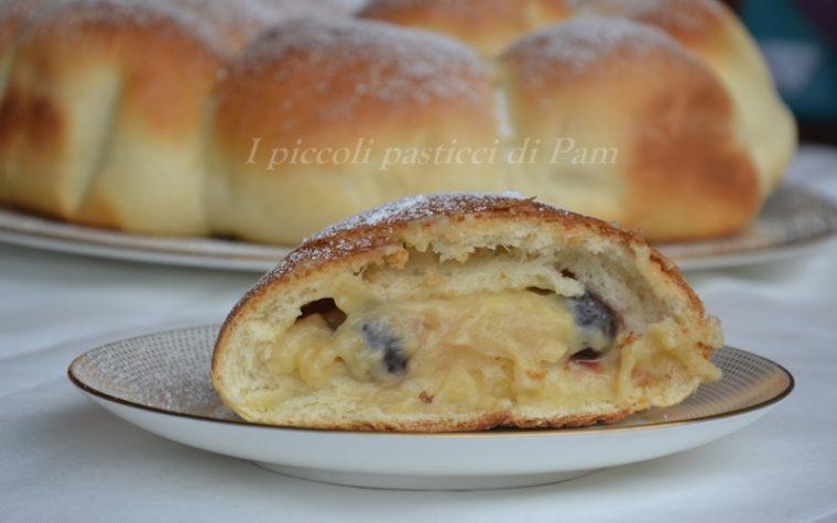 Danubio dolce ripieno di crema pasticcera e amarene, ricetta dolce