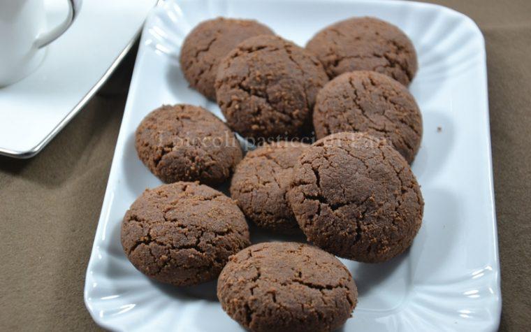 Biscotti teneri al cacao e rum
