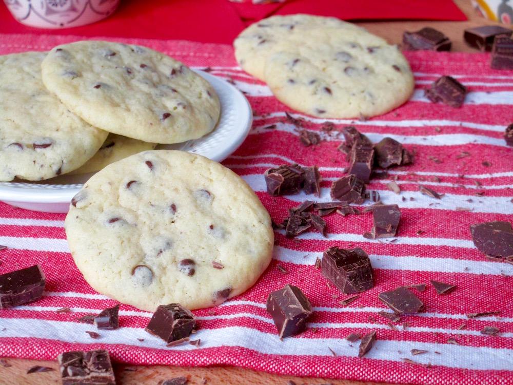 Biscotti Morbidi con Gocce di Cioccolato Fondente
