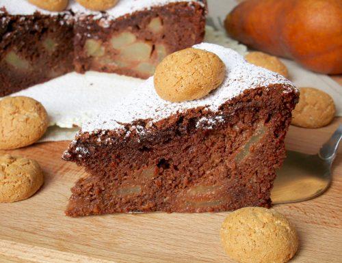 Torta con Pere, Cioccolato e Amaretti
