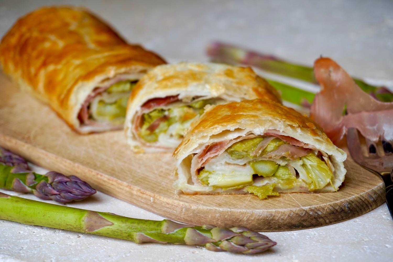 Strudel Salato con Speck e Asparagi