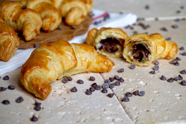 Cornetti di Sfoglia al Cioccolato 3 Ingredienti