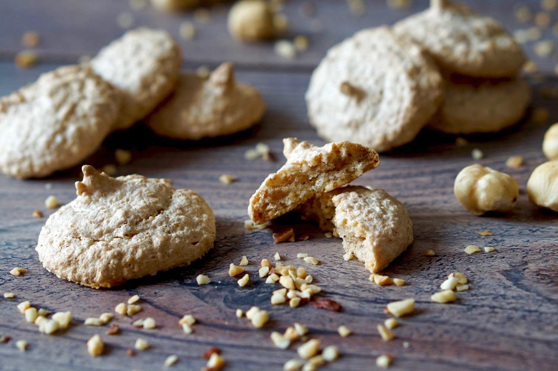 Biscotti alle Nocciole 3 Ingredienti