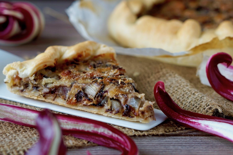 ... La Torta Salata con radicchio e Pancetta è pronta per essere servita