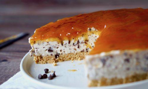 Cheesecake al Cioccolato e Albicocche Senza Cottura