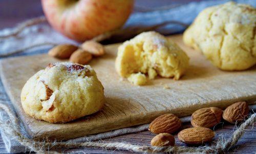 Biscotti Morbidi alle Mele e Mandorle