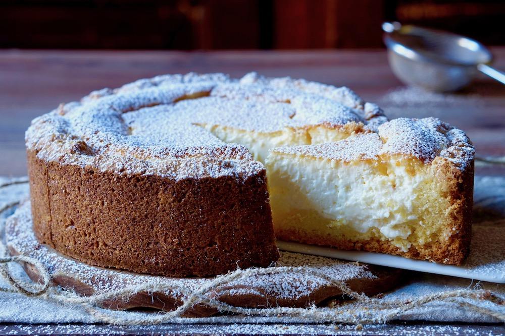 La crostata Morbida con Ricotta e Mascarpone si conserva facilmente in  frigo, anche per più giorni. Vediamo la Ricetta!