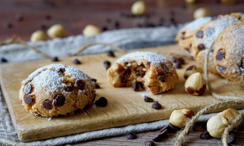 Biscotti Morbidi al Cioccolato e Nocciole