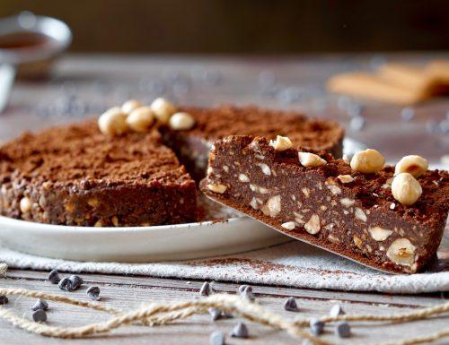 Torta al Cioccolato e Nocciole Senza Cottura
