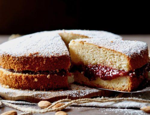Torta Soffice alle Mandorle e Marmellata