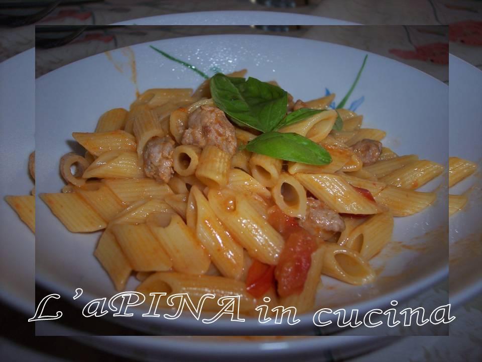 Pasta salsiccia e pomodorini - ricetta passo passo