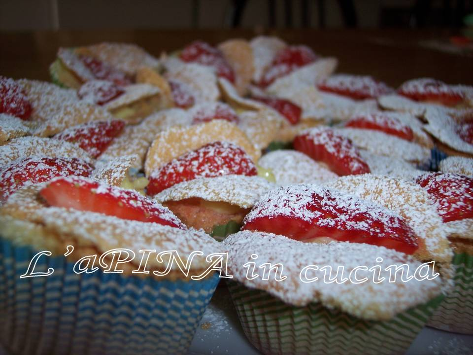 Tortine fragole e crema....come farfalle! - Ricetta passo passo
